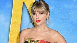 Taylor Swift 2020'de 1 milyon albüm satan ilk şarkıcı oldu