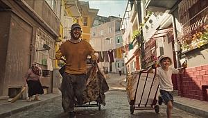 Çağatay Ulusoy'lu Kağıttan Hayatlar filminden fragman paylaşıldı