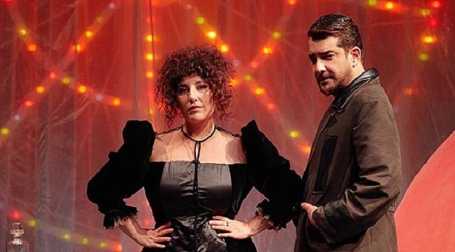 Enis Arıkan ve Şebnem Bozoklu'dan 'Ayı' performansı