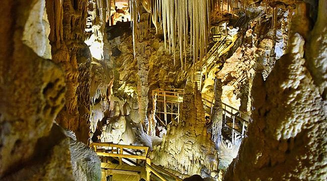Mersin'de büyüleyici bir doğal güzellik: Astım Mağarası