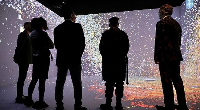 Refik Anadol'dan yeni sergi 'Makine Hatıraları: Uzay'