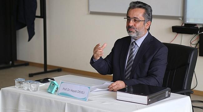 Prof. Dr. Hayati Develi: Yunus Emre, kimliğini Türkçe ile inşa etti