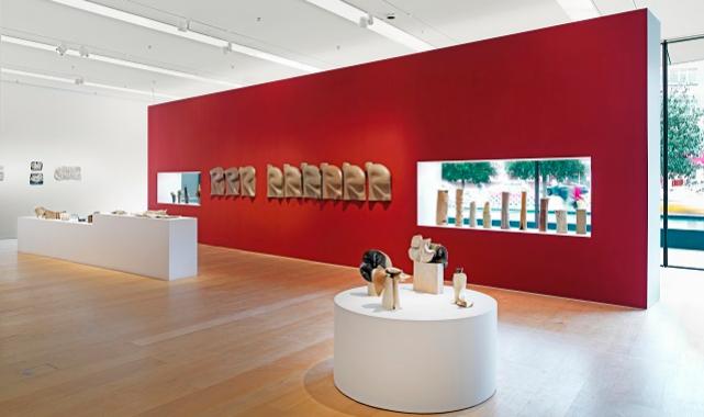 Candeğer Furtun'un ilk retrospektif sergisi açıldı