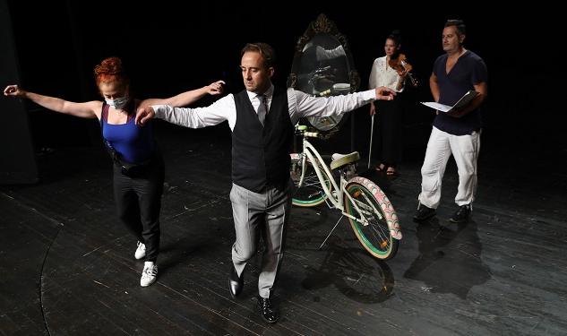 İBB Şehir Tiyatrolarından yeni oyun: Maviydi Bisikletim