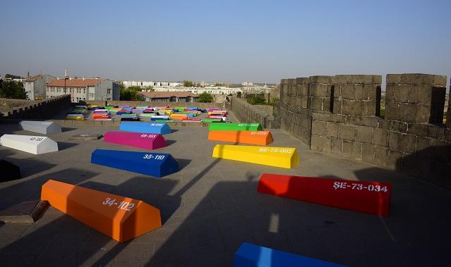 Ahmet Güneştekin'in Hafıza Odası sergisi Diyarbakır'da açıldı