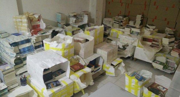 'Korsan Sevim' bu sefer 15 bin kitapla yakalandı