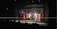 Sahnesi yanan Erzurum Devlet Tiyatrosu yeniden perde dedi