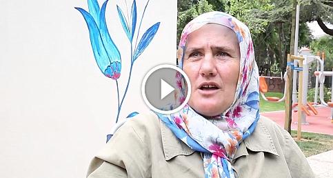 Germiyanlı Nuran teyze Kadıköy'de duvar resimleri çiziyor