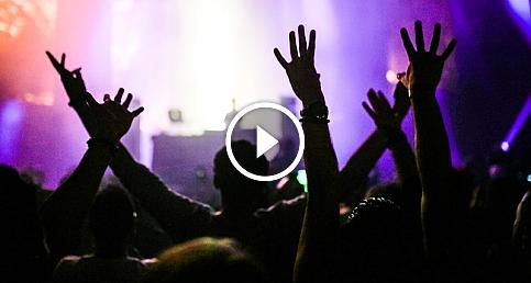 Selda Bağcan, Cem Adrian, Manuş Baba ve Claptone Mix Festival'de sahne aldı