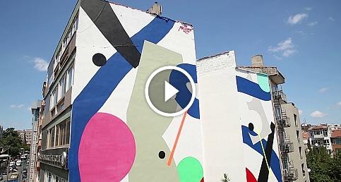 Kadıköy'ün duvarları sanatla buluşuyor