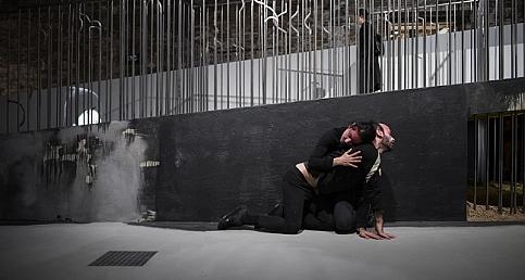Venedik Bienali Türkiye Pavyonu'nda Space Occupiers performansı