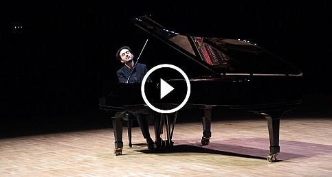 Piyanist Kandemir Basmacıoğlu'ndan muhteşem konser